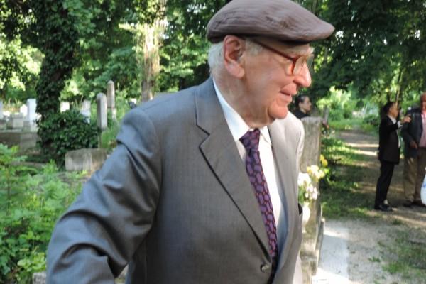 Gyász: A derűs hűség embere – elment a város legderűsebb, legbölcsebb zsidója