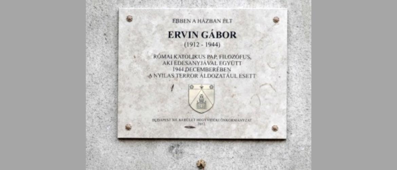 A szeretetet hirdette, szolidaritásból hordta a sárga csillagot a katolikus pap, a Dunába lőtték a nyilasok
