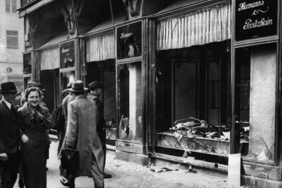 81 éve: A Kristályéjszakán kezdődött a zsidók nyílt üldözése Németországban