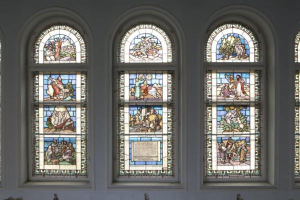 A hét műtárgya: Múzeumi díszablakok