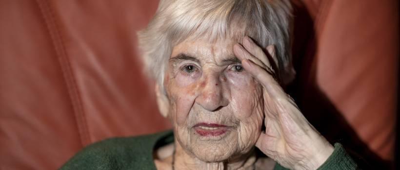 Ma eltemették Esther Béjaranót a hamburgi zsidó temetőben