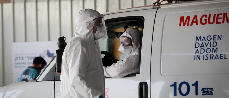 Folyamatosan emelkedik az új fertőzöttek száma Izraelben