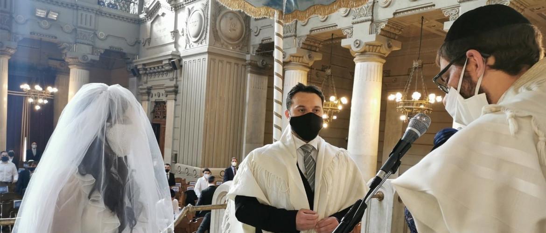 Bazi nagy olasz zsidó lagzi végre újra: az élet a koronavírus idején is élni akar