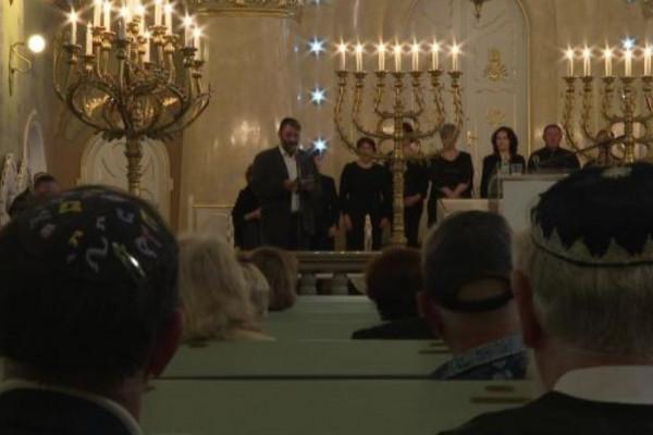 Határon túl: A helyi zsidók deportálásáról emlékeztek meg ma a szabadkai Zsinagógában
