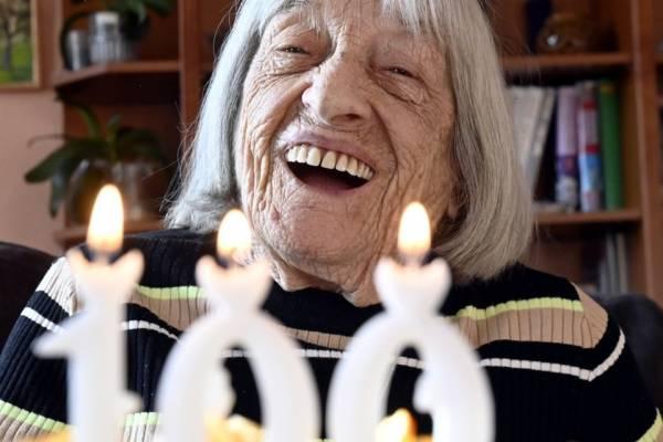 Szeretettel köszöntjük a ma 100 éves Keleti Ágnest