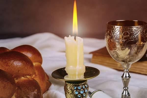 Isten nagyon keveset kér tőlünk – Jó szombatot!