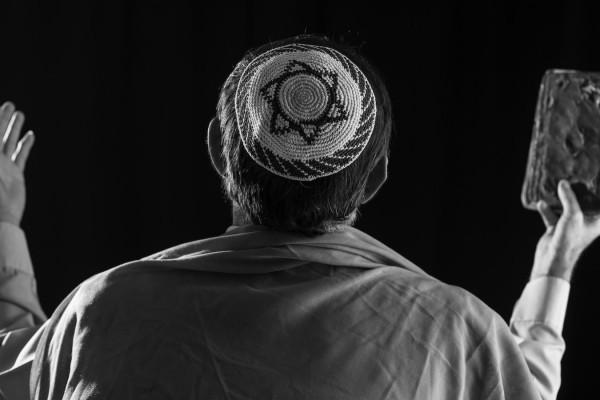 Kácsor Zsolt: Doktor Moll jajszava a zsinagógában
