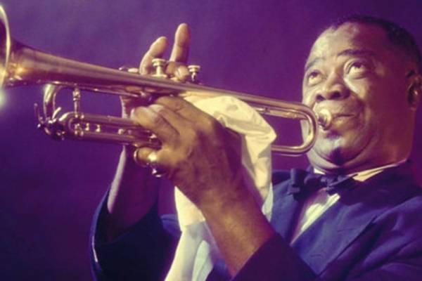 120 éve született Louis Armstrong – aki megtanult jiddisül és Dávid-csillagot hordott a nyakában