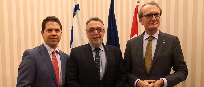 Amerikai, brit és holland delegációk a MAZSIHISZ-nél