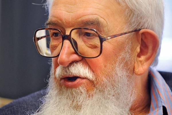 Ma lett 84 éves Komoróczy Géza – éltesse az Örökkévaló 120 évig