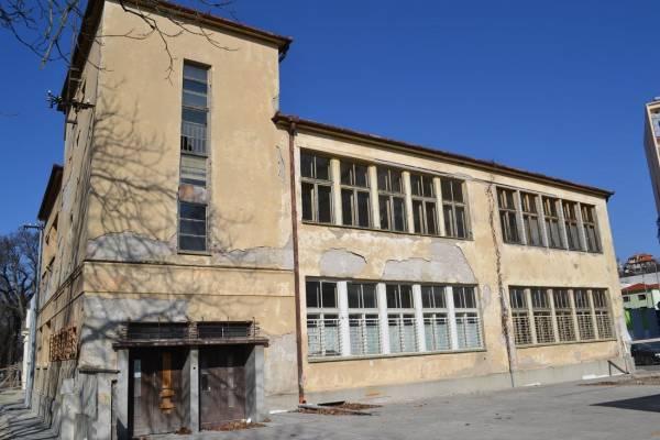 Felújítják az egykori zsidó iskola épületét Léván
