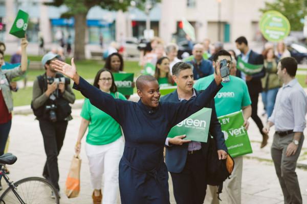 Fekete zsidó nő Kanada új politikai reménysége: ő lehet az erősödő Zöld Párt vezetője