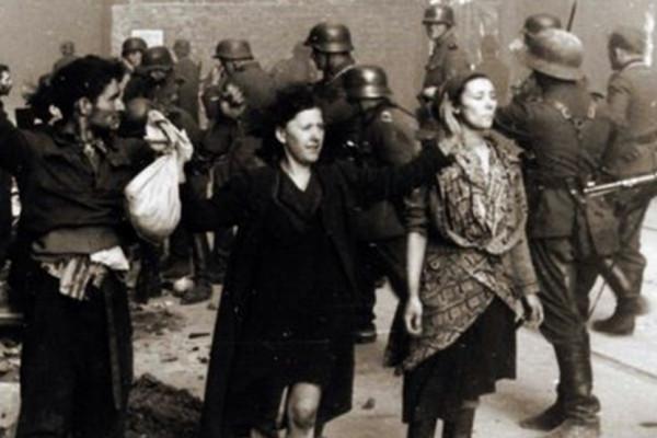 Egyetlen hatalmas temetővé változtatták a nácik a varsói gettót