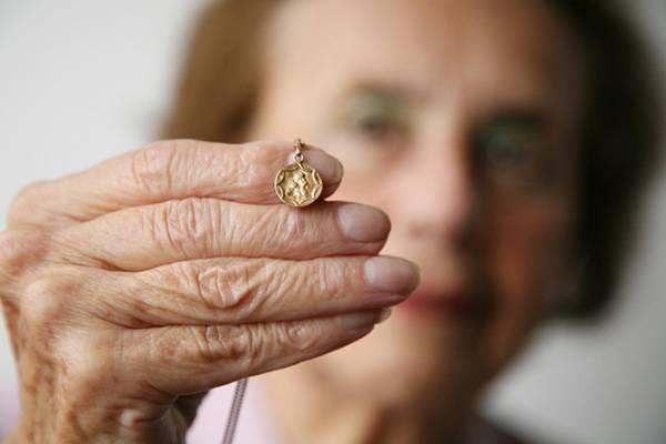 Túlélte Auschwitzot, most a TikTokon figyelmezteti a legfiatalabbakat