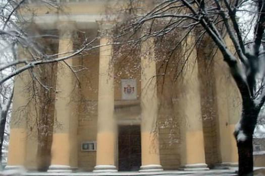 Szomorú győzelem: zsidó sírkövekből épült lépcsőt bontottak le a keresztény templomban