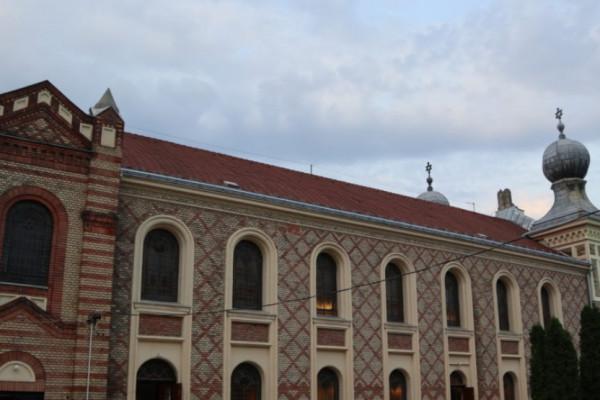 Péntek este már az Újpesti Zsinagógában is imádkozhatunk