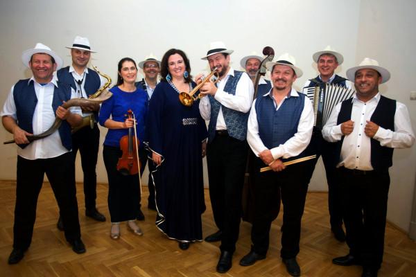 Percek tánca: zenés játék Szenes Hanna naplója és versei alapján
