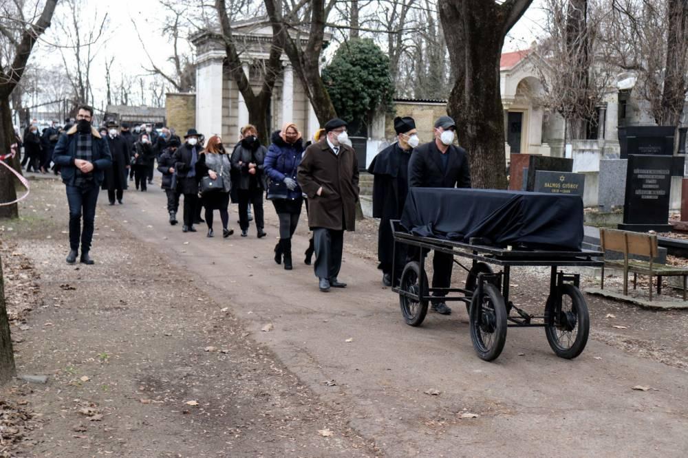 Eltemették Sas Józsefet a Kozma utcai temetőben