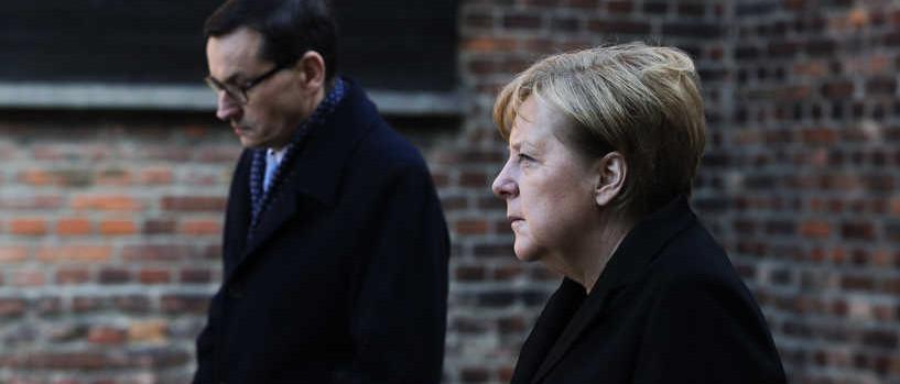 Angela Merkel: Auschwitzban csendben kellene maradni