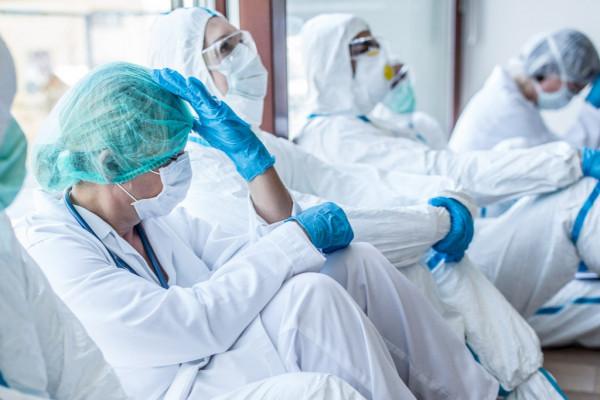 A szolgálat eszménye: ápolók, orvosok, gondozók köszöntése