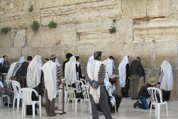 """,,Rabbi, milyen áldást mondjak a Covid oltásra?"""""""