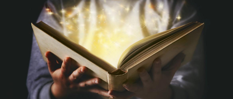 Nyolc + egy olvasnivaló Hanuka nyolc napjára