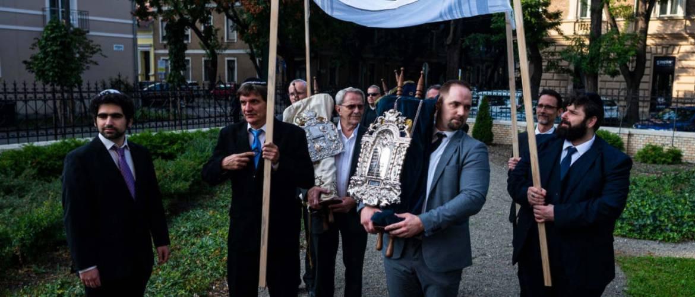 Tóraavató ünnepséget tartott a Szegedi Zsidó Hitközség