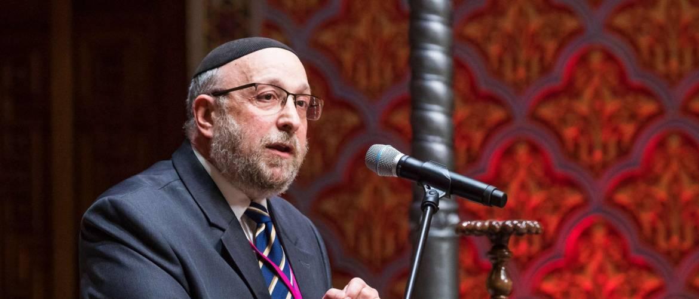 Közös imádkozás Frölich Róbert országos főrabbi fölgyógyulásáért