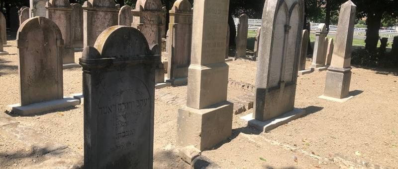 Folyamatosan zajlik a vidéki zsidó temetőink rendbetétele