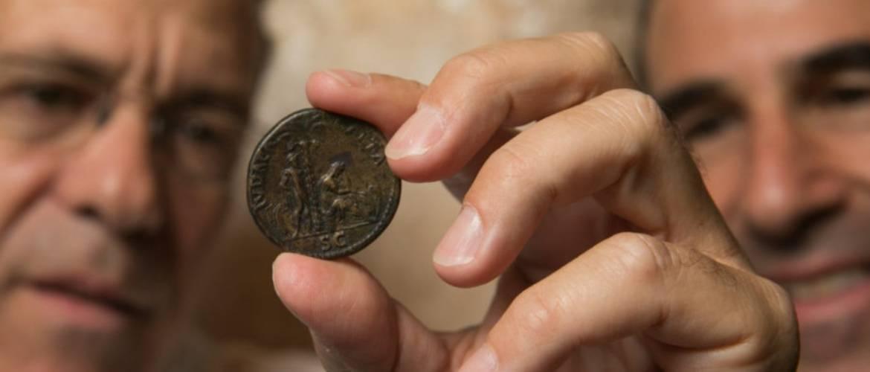 Izrael: 1800 éves pénzérmet talált kiképzés közben egy katona