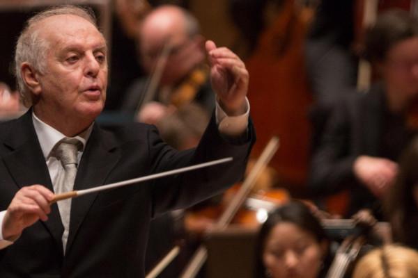 Zenészek megalázásával vádolják Daniel Barenboim világhírű karmestert