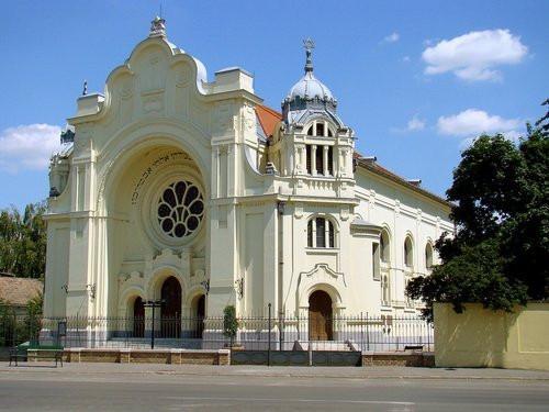 Zsinagoga_hodmezovaserhely_1.jpg